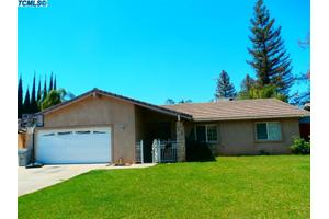 1047 Mountain View Dr, Lindsay, CA 93247