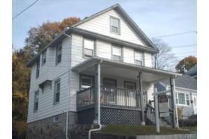 18 Lincoln Ave, Norwalk, CT 06854