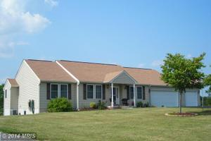 180 Double Play Dr, Gettysburg, PA 17325