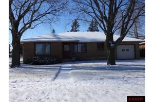 104 Meray Blvd, Mankato, MN 56001