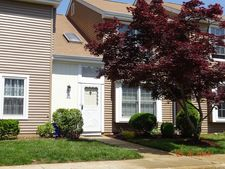 21 Canterbury Cir, Franklin Twp, NJ 08873