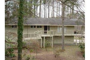 1010 Pinehurst Dr, Chapel Hill, NC 27517