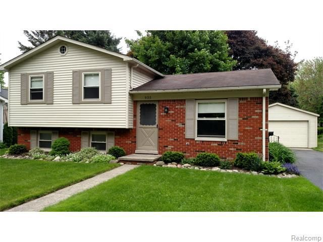 935 madison st brighton mi 48116 home for sale and