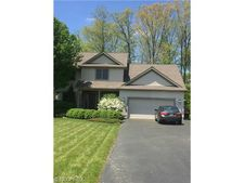 6941 Winterpark Ave, Youngstown, OH 44515