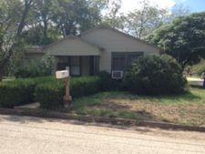 602 S Erkel Ave, Seguin, TX 78155
