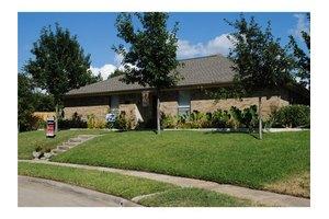 1211 River Oaks Dr, Flower Mound, TX 75028