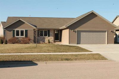 1613 Green Meadow Ln, Janesville, WI