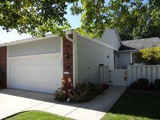 6884 Juneberry Ave, Woodridge, IL 60517