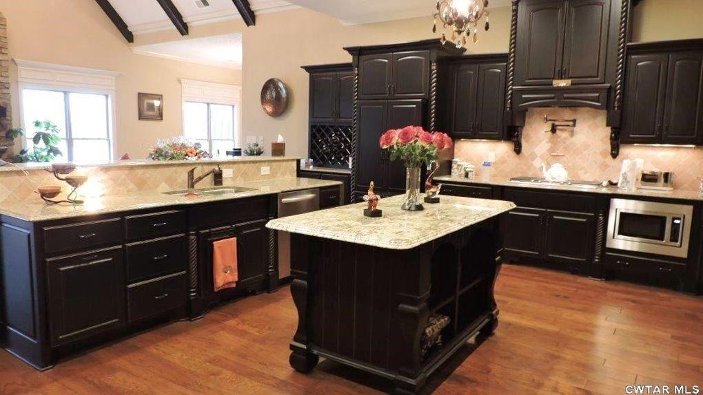 Kitchen Cabinets Jackson Tn 35 lake pointe dr, jackson, tn 38305 - realtor®