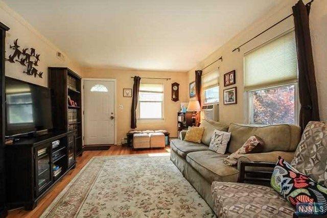 308 S Prospect Ave, Bergenfield, NJ 07621