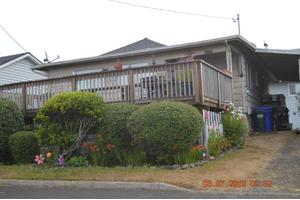 420 NW High St, Newport, OR 97365