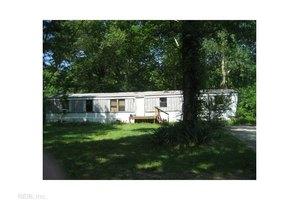300 Baxter Ln, Moyock, NC 27958
