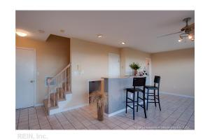 818 E Ocean View Ave, Norfolk, VA