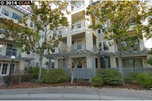 1840 Tice Creek Dr Apt 2117, Walnut Creek, CA 94595