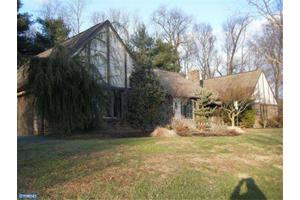 1515 W Penn Grant Rd, Lancaster, PA 17603