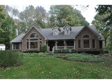 3102 W Pleasant Dr, Greenfield, IN 46140