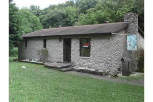 1814 County Road 56, Ironton, OH 45638