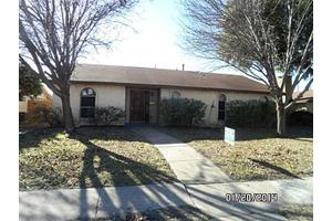 3010 High Plateau Dr, Garland, TX 75044