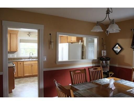 13 Fairview Ave, Dudley, MA 01571