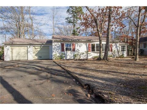 534 Chelsea St, Lacey Township, NJ 08731