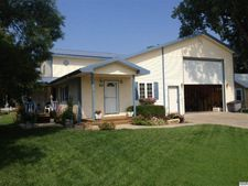 215 N Topeka St, Haven, KS 67543