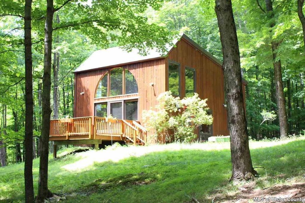 60 Cooper Hollow Rd Woodstock, NY 12498