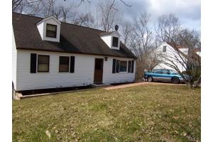 26 Fleetwood Dr, Danbury, CT 06810