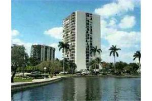 2400 Presidential Way Apt 1106, West Palm Beach, FL 33401
