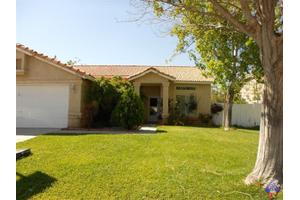 38925 Dianron Rd, Palmdale, CA 93551