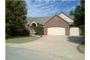 508 S Creekside Ct, Derby, KS 67037