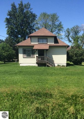 5143 n seven mile rd pinconning mi 48650 home for sale and real estate listing