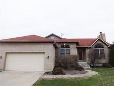 4120 Coury Ln, Riverside, OH 45424