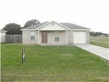 2105 7th St, Hempstead, TX 77445