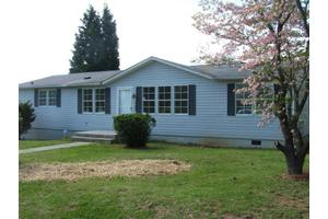 4014 High Acres Rd NW, Roanoke, VA 24017