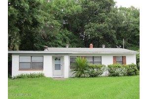 3863 Copper Cir E, Jacksonville, FL 32207