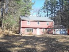 33 Woodland Dr, Hopkinton, NH 03229