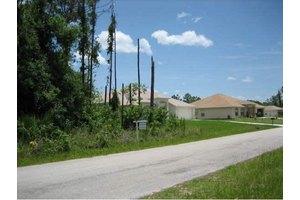 1310 Lotus St SE, Palm Bay, FL 32909