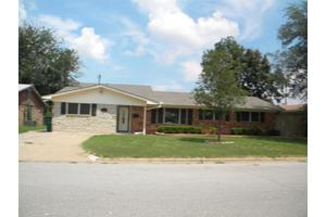 123 Highland Dr, Burkburnett, TX 76354