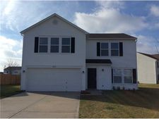 5842 N Quincy Dr, Mccordsville, IN 46055