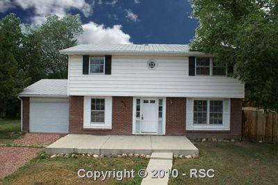 630 Dove Pl, Colorado Springs, CO