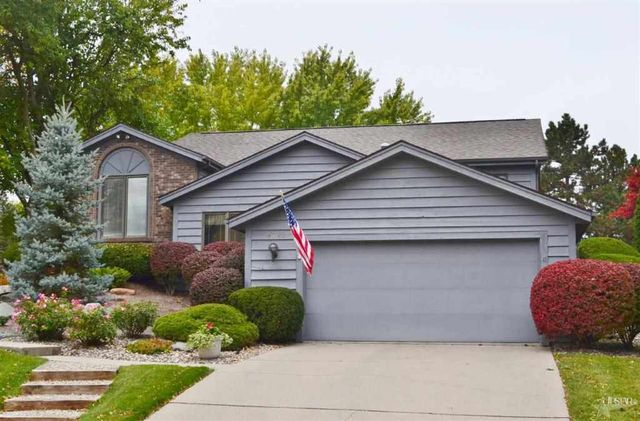 6722 W Canal Pointe Ln, Fort Wayne, IN