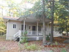 111 Lone Pine Bay Rd, Lords Valley, PA 18428