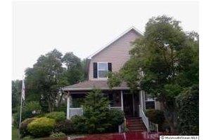 209 Rose St, Lakehurst, NJ 08733