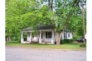 702 S 2nd St, Smithfield, NC 27577