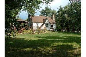 10849 Auburn Rd, Chardon, OH 44024