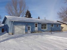 412 3rd Ave Sw, Steele, ND 58482