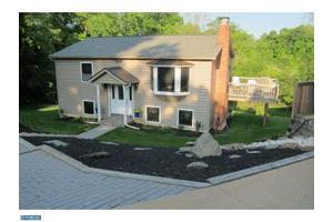 484 Rolling Dr, West Chester, PA 19380
