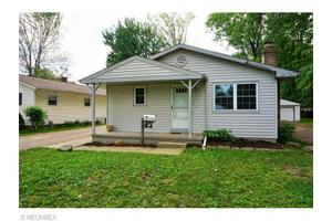 707 Stanford Ave, Elyria, OH 44035
