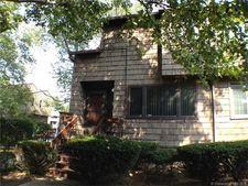 89 Towne House Rd, Hamden, CT 06514