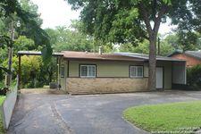 923 Burges St, Seguin, TX 78155